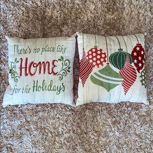 Other - Christmas Decor Throw Pillows Set